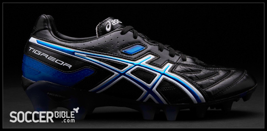 asics football boots black