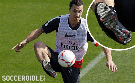 ab0a973cc212 Ibrahimovic Trains In Black-Out Nike Mercurial Vapor IX - SoccerBible