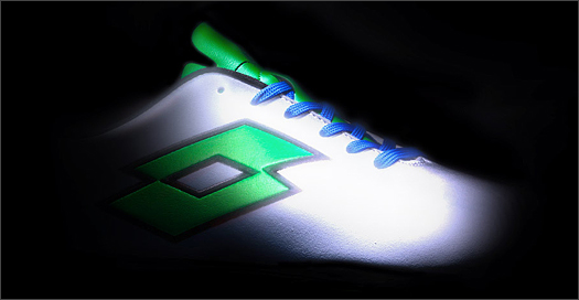 Lotto Hand Out Super-Flash New Boot Model - SoccerBible