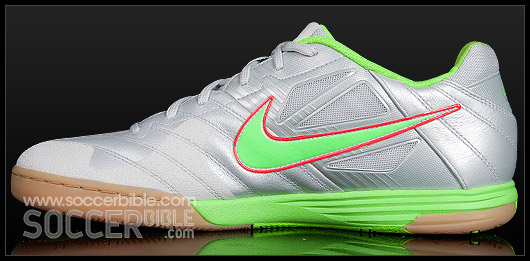 7a934527690 ... indoor soccer shoes white total orange black 69686 f6dd1  italy the nike5  lunargato trainers main benefit is the inclusion of this lunarlite  technology. ...