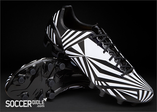 new product 2089b c4626 PUMA Special Edition  Razzle Dazzle  Camo Test Football Boots