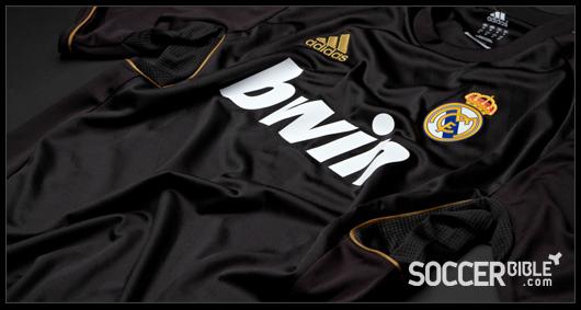 san francisco efea9 f0ad4 Real Madrid Away Shirt 2011-2012 - adidas Football Shirt ...
