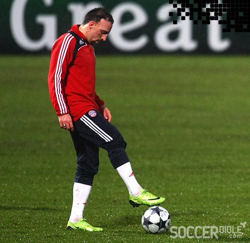 contrabando Colega Hambre  Boot Spy Update: Franck Ribery trains in new Citron Vapor SLs - SoccerBible
