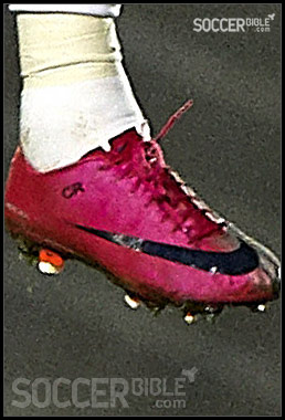 big sale e9503 e9d2f Cristiano Ronaldo's Football Boots - Nike Mercurial - SoccerBible