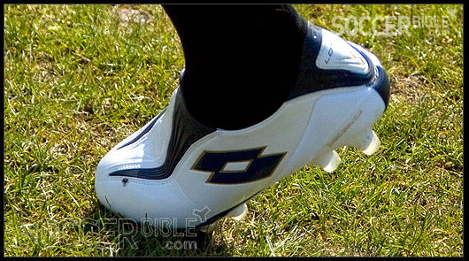 on sale e532f c1d64 Lotto Zhero Gravity Ultra Play Test - SoccerBible.