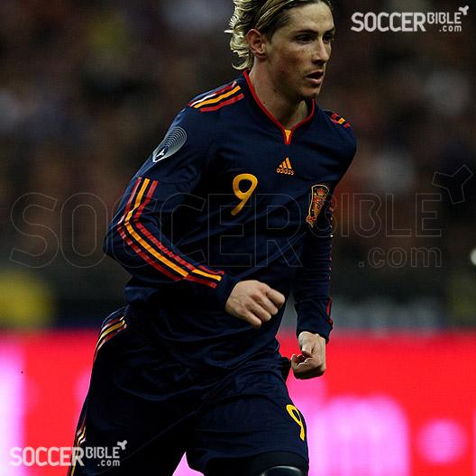 Electricista resultado el viento es fuerte  Spain Away 2010/12 adidas Football Shirt - SoccerBible